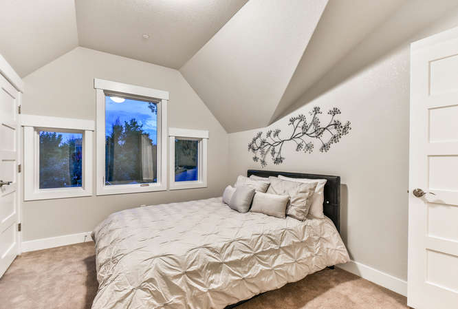 1026 W Mountain Ave Fort-small-032-20-Bedroom-666x449-72dpi.jpg