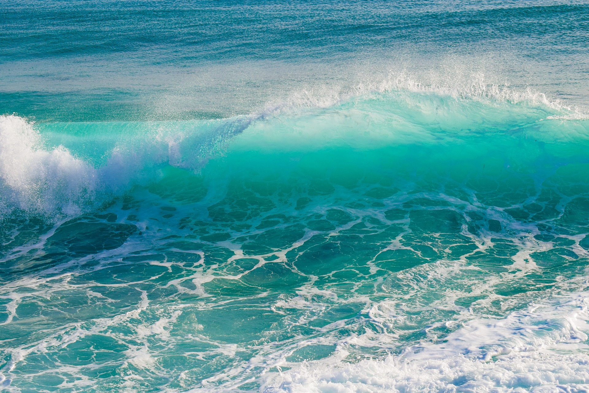 wave-2049985_1920.jpg