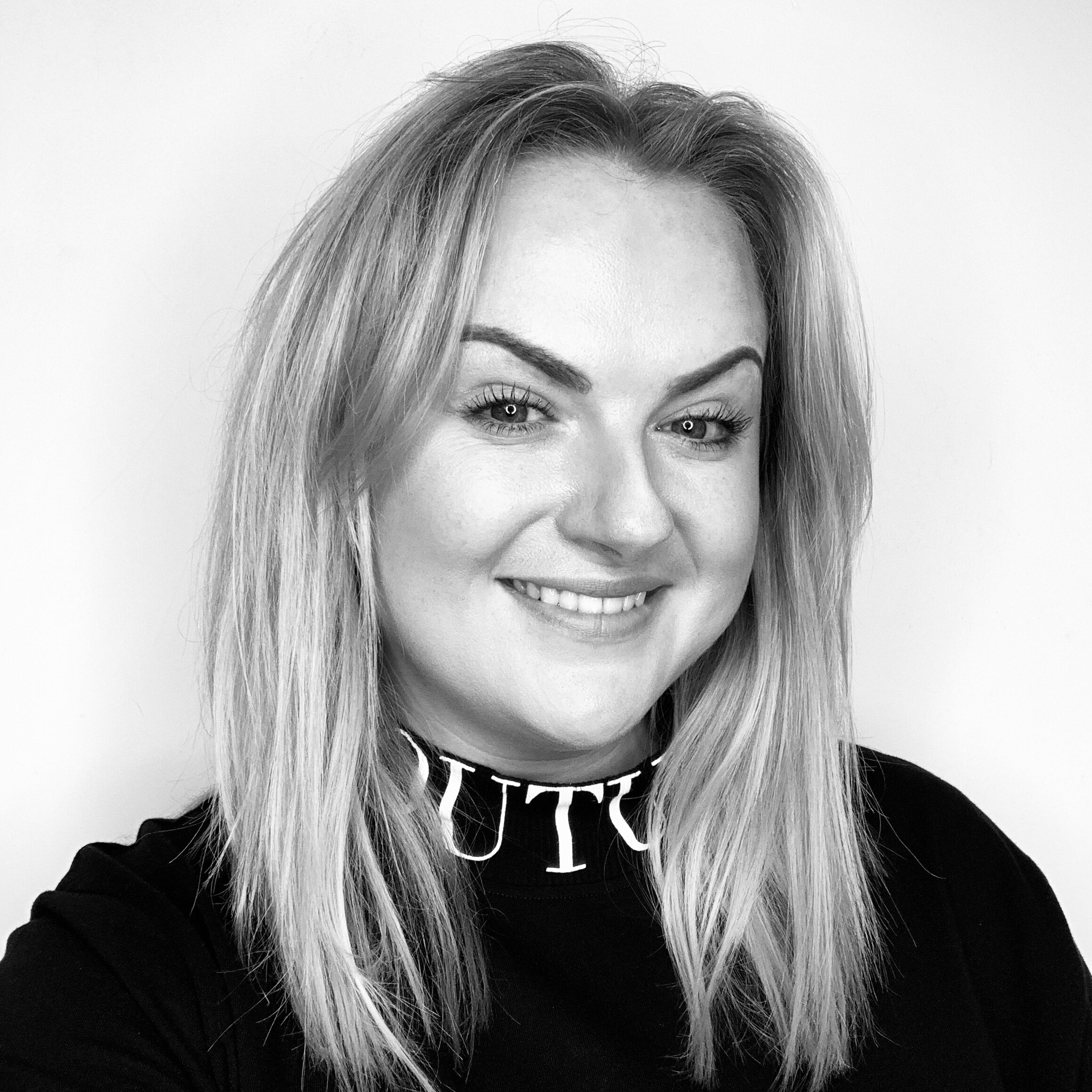 Salon Director - Ashley is the gal behind Ashley Clarke Signature Salon. She followed her dreams to create a salon that made sure every member of the team matters. To inspire them, nurture them be REAL with them. The happy team are the key to the Salons success and you will sure enough see it!