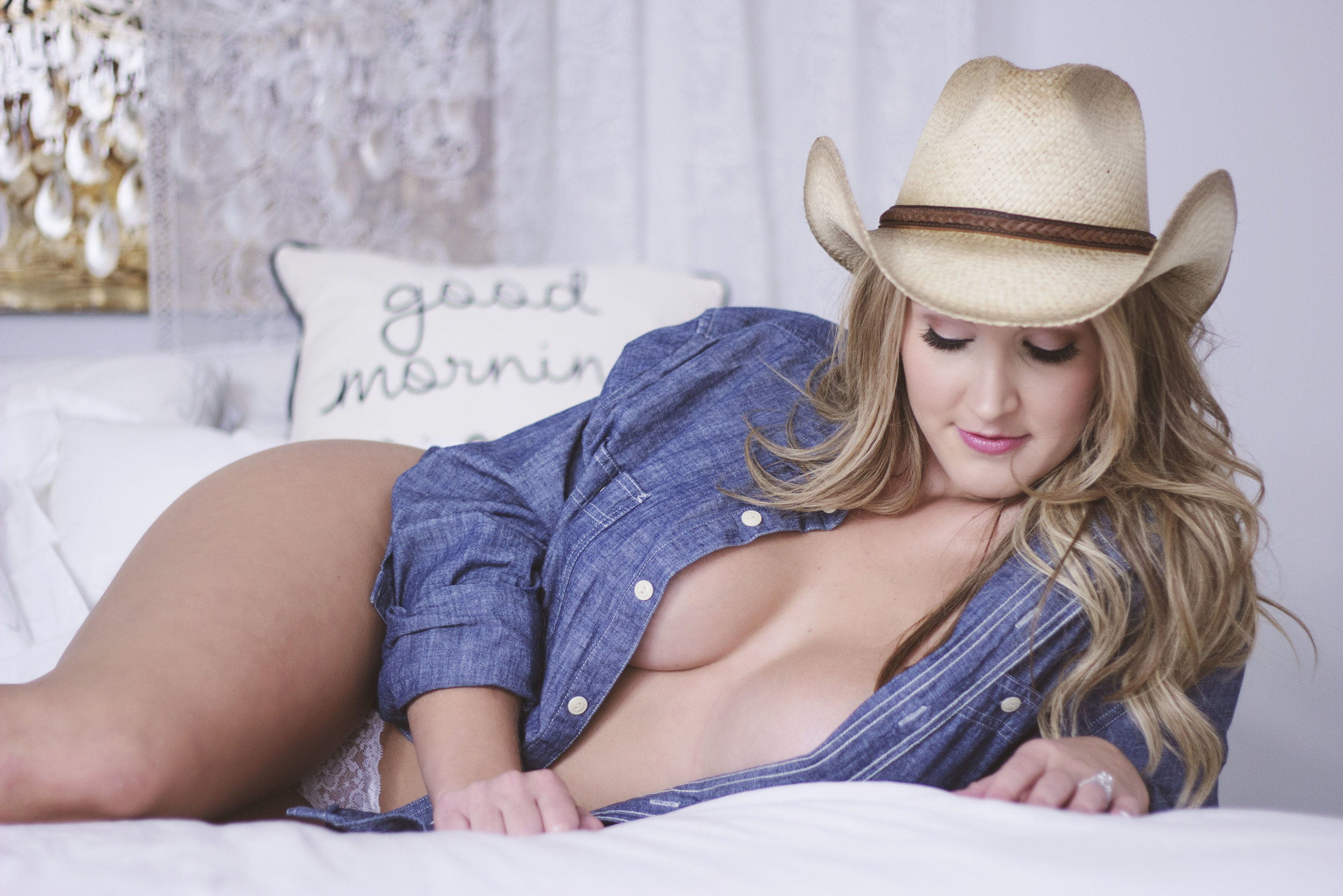 Cowgirl_Boudoir.jpg