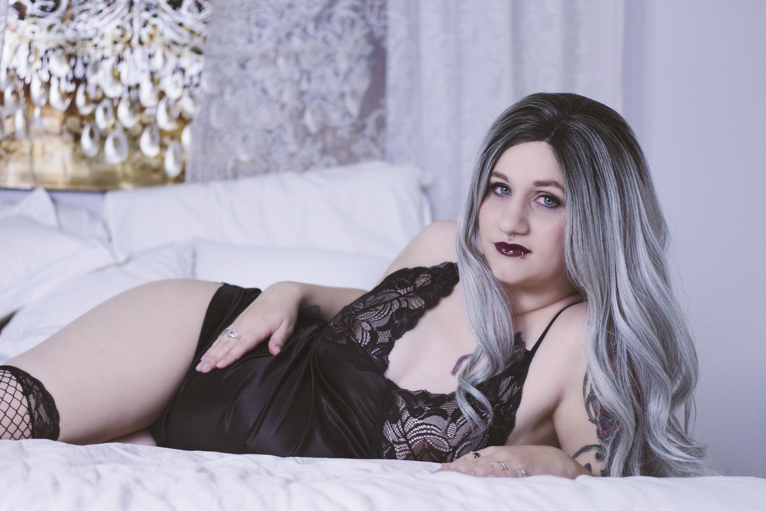 Maternity-boudoir-2.jpg