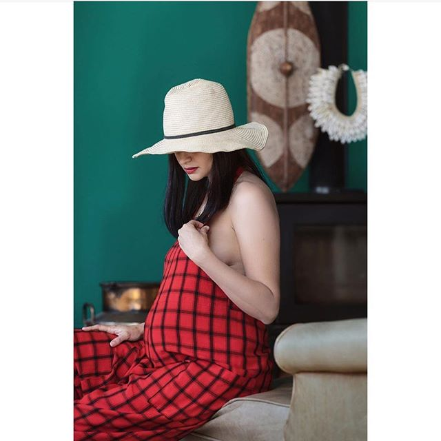 """Turned out to be the ULTIMATE pregnancy outfit 🙌🏽🙌🏽🙌🏽 Every month that went by and I got bigger I thought it wouldn't fit...but miraculously it still did!  Even did a pregnancy shoot in it📸  Honestly wouldn't have made it through the pregnancy without it!  Best Buy of 2018! 🔥🔥🔥💰💰💰💵💵💵❤️❤️❤️"" @_niknana_ 🙏🏽 #daymade #masaijumpsuit #maternity #shakaluludesigns"