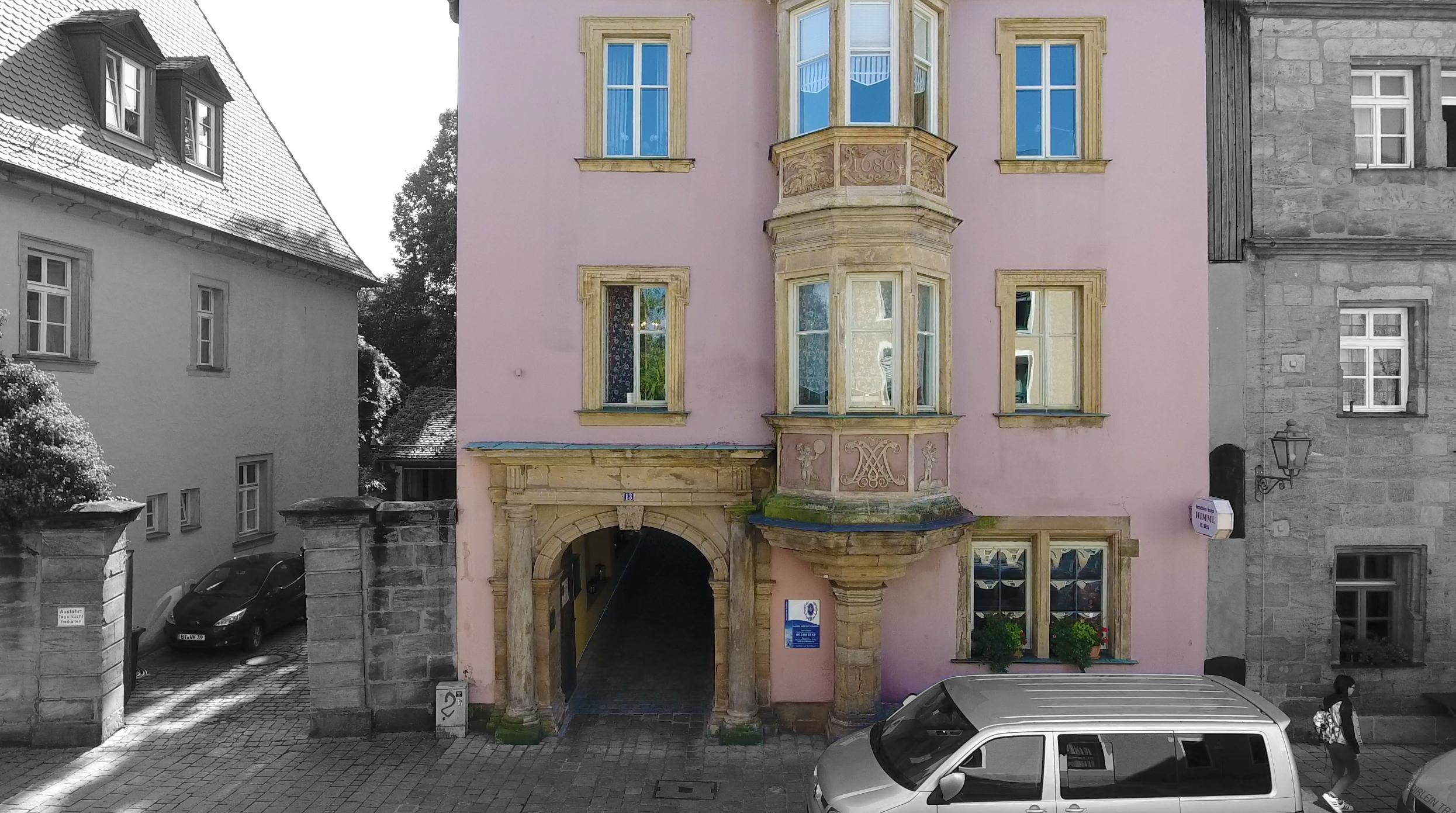 Himml-Gebäude_2_dy.jpg