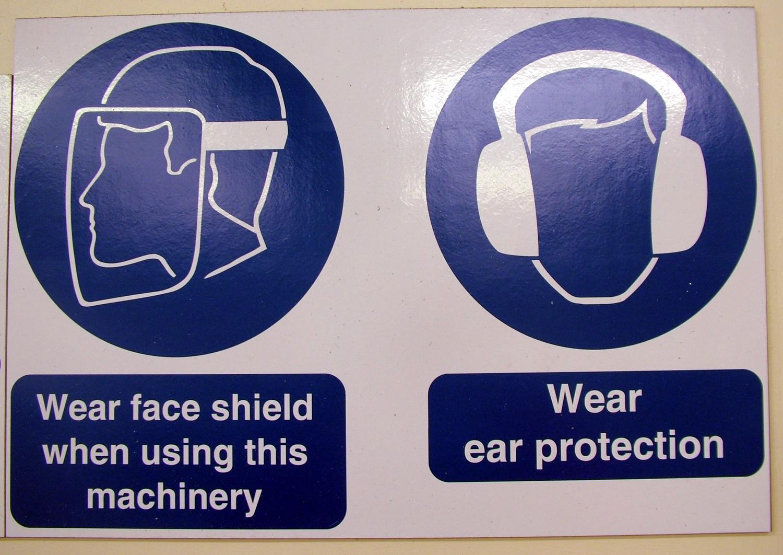 safety-sign-1530471.jpg