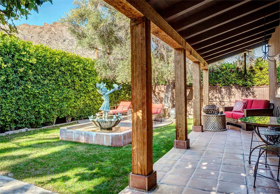 palm-springs-hotel-the-rossi-fountain-hacienda-secluded-garden