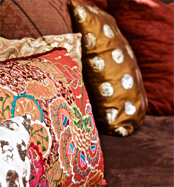 palm-springs-hotel-the-rossi-hot-kasbah-hacienda-cushions