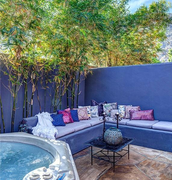 palm-springs-hotel-the-rossi-hot-tub-velvet-hacienda