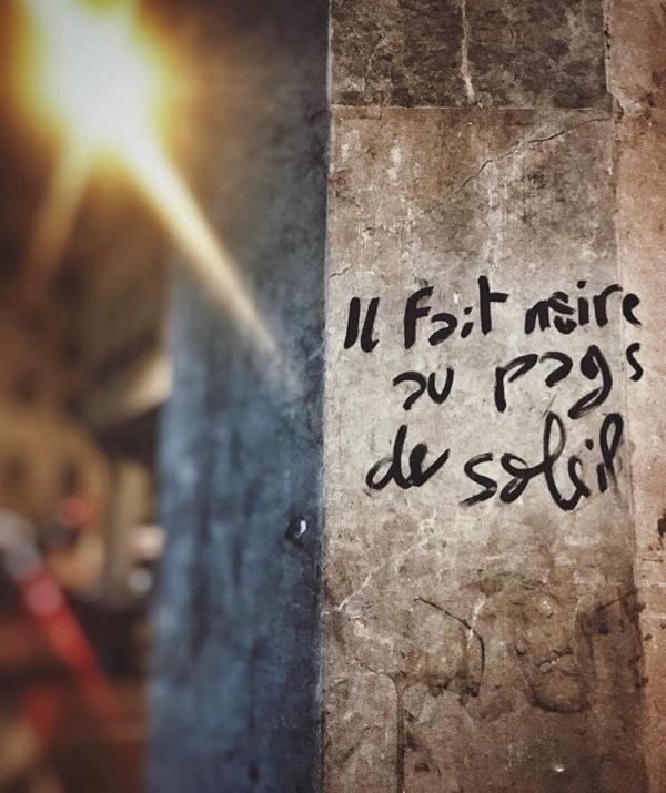 """""""Il fait noir au pays du soleil."""" Crédit Photo : @aylatah"""