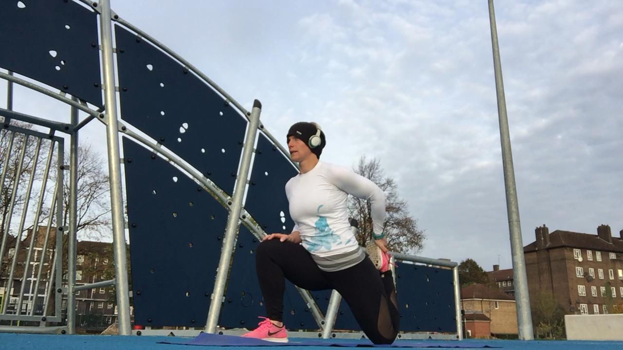 Aspyr Sandy Rowe Quad Stretch