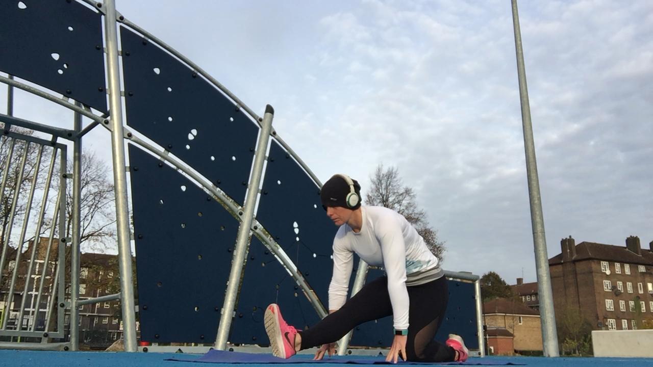 Aspyr Sandy Rowe Hamstring Stretch