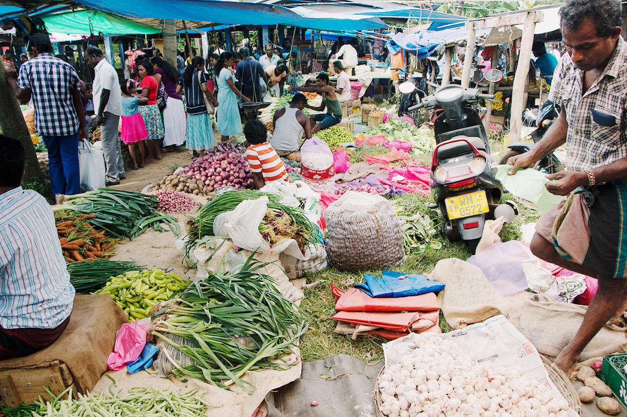 Søndagsmarked i Hikkaduwa