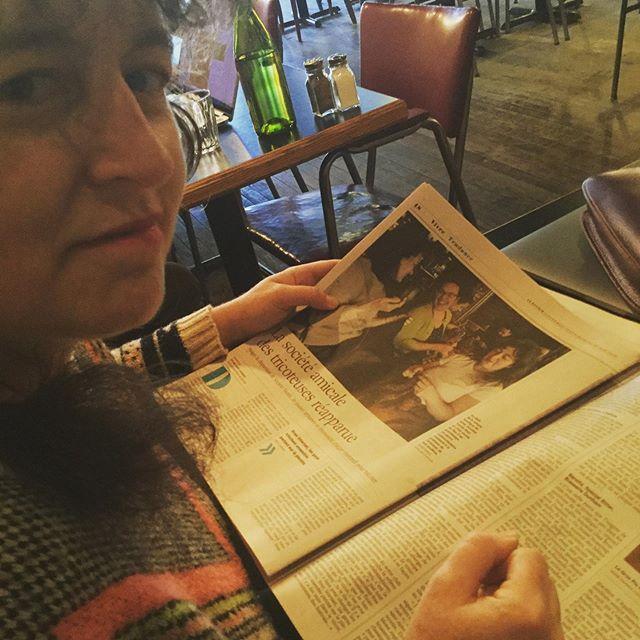 Eh ben! On est dans le journal de ce matin!!! 🧐🦚☕️ #ledevoir #améliedanslejournal #beausamedi #sotextile #mimosas🍾