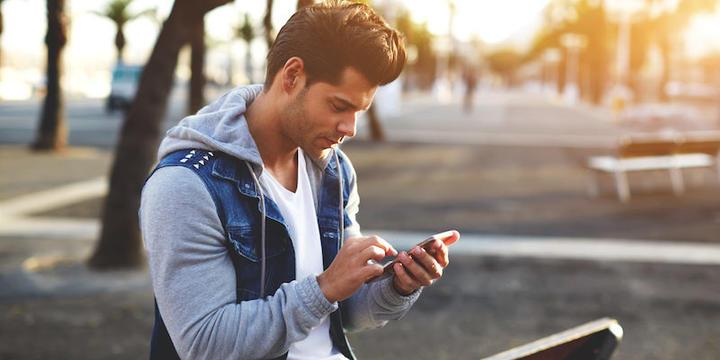 man-texting-girlfriend.jpg