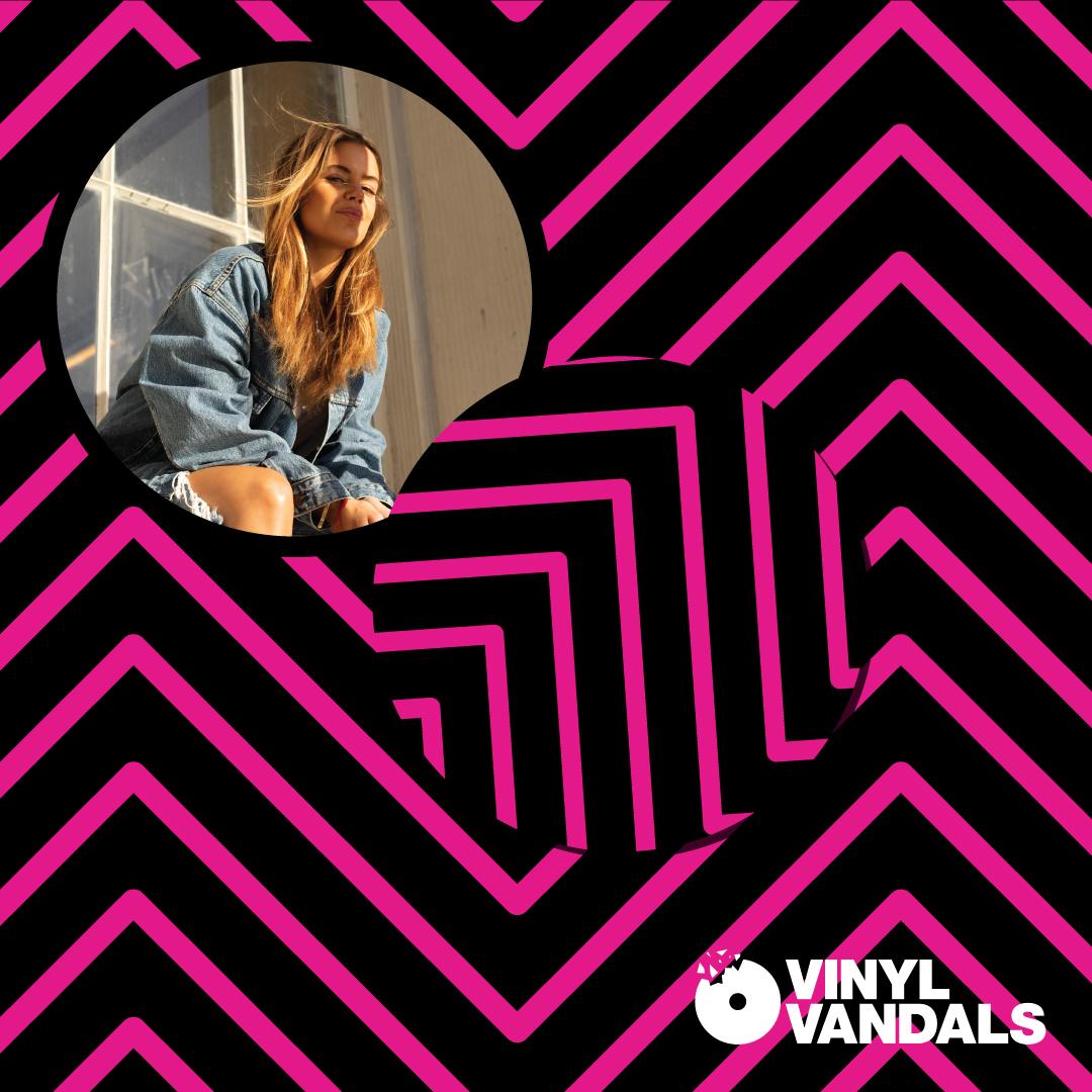 VV-DJ-Square-Carla-black&pink.jpg