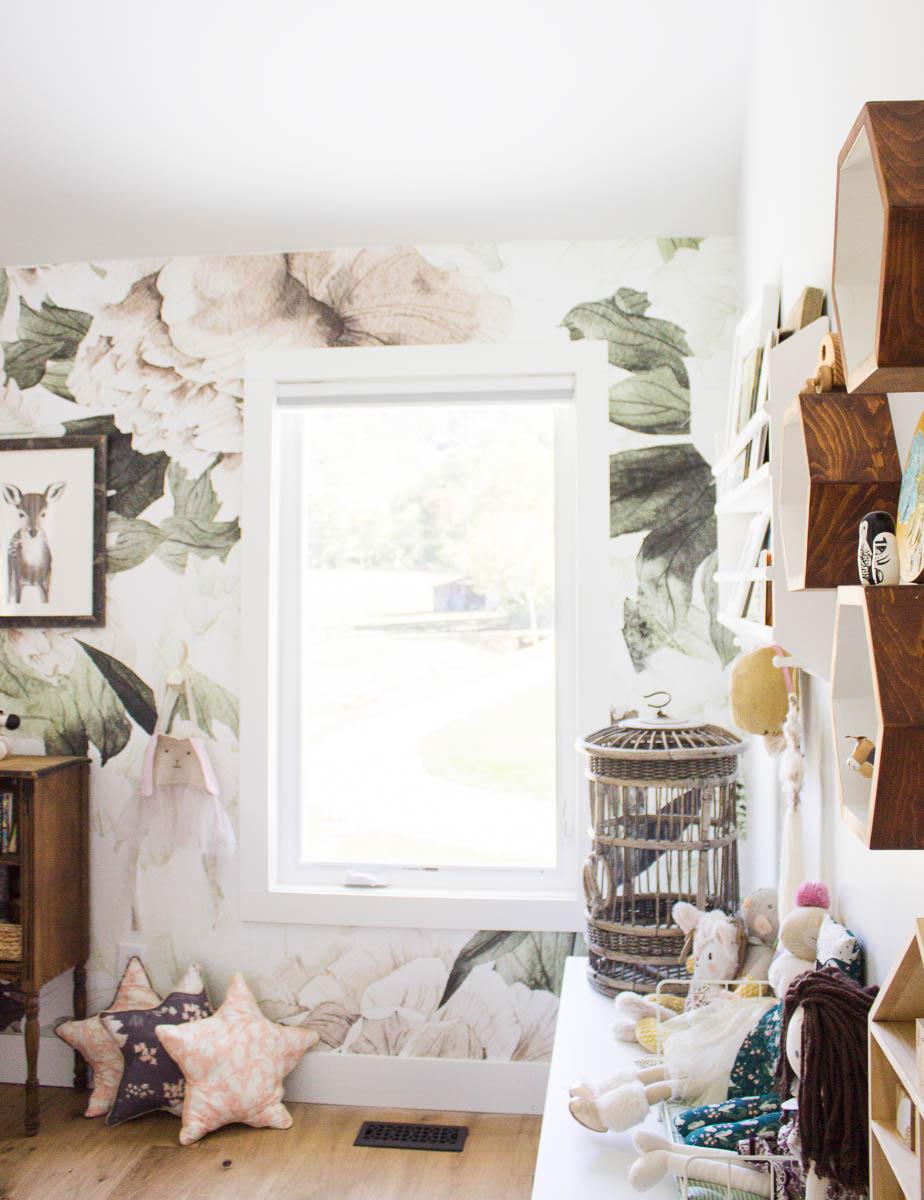 farmhouse-charm-north-carolina-photo-studio-photography-natural-light-lifestyle-photo-10.jpg
