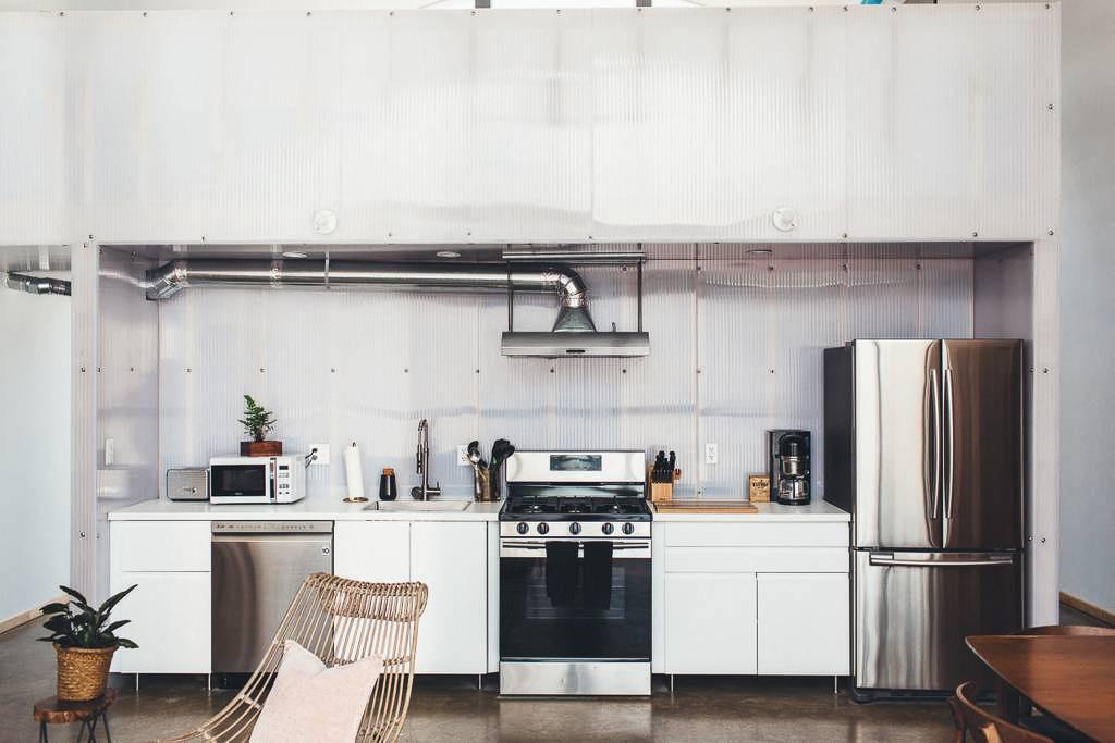 Dapper_Dwelling-homestudiolist-detroit-photoshoot-location-natural-light-5.jpg