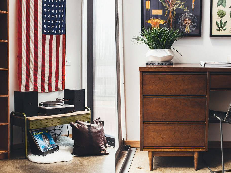 Dapper_Dwelling-homestudiolist-detroit-photoshoot-location-natural-light-9.jpg