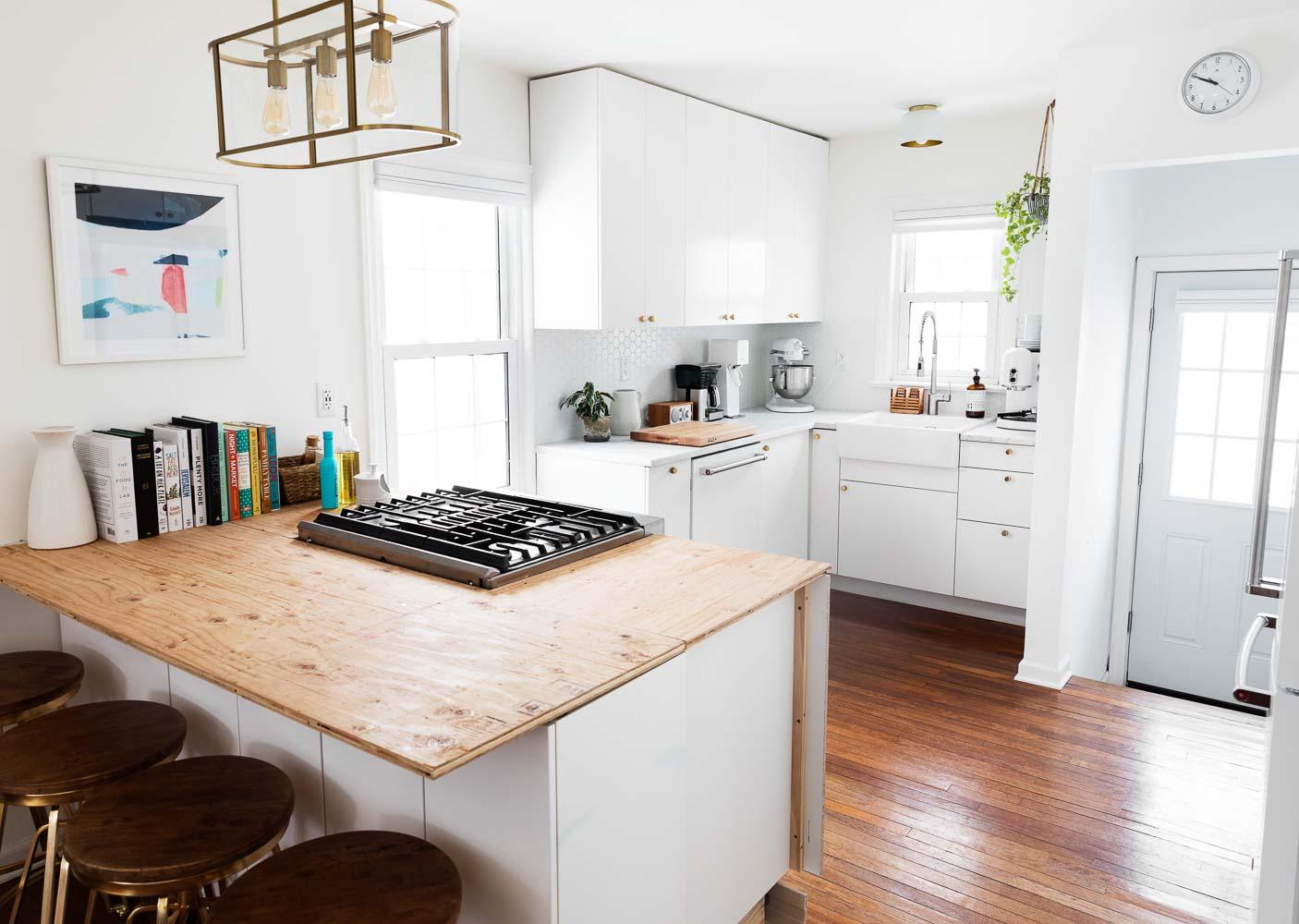 bright-bungalow-home-studio-new-jersey-natural-light-photo-studio-rental-1.jpg
