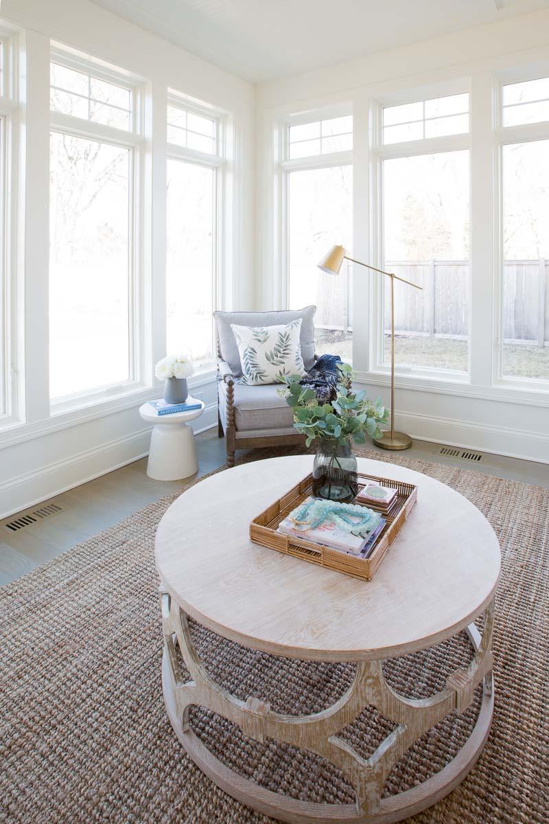 ModernTreat-Northbrook-IL-Illinois-natural-light-photography-studio-lifestyle-photo-ideas-indoor-photoshoot-location-15.jpg