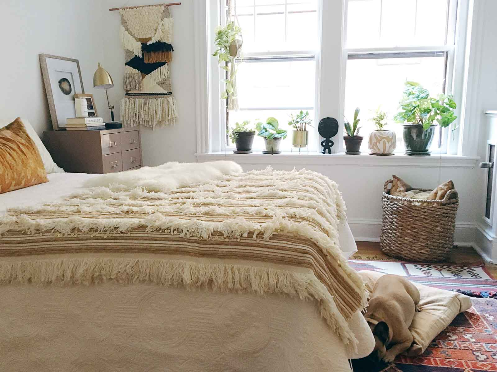 Boho-Charm-michigan-natural-light-photography-studio-lifestyle-photo-ideas-indoor-photoshoot-location-4.jpg