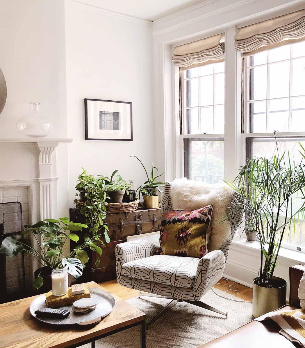 Boho-Charm-michigan-natural-light-photography-studio-lifestyle-photo-ideas-indoor-photoshoot-location-9.jpg