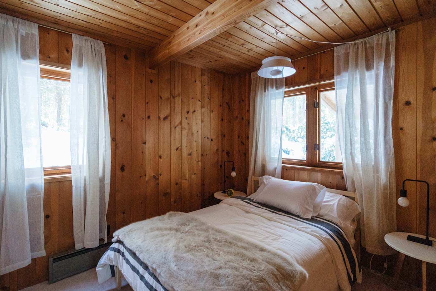 CabinGoals-WardsboroVT-natural-light-photography-studio-lifestyle-photoshoot-location-editorial-commercial-photography-2.jpg