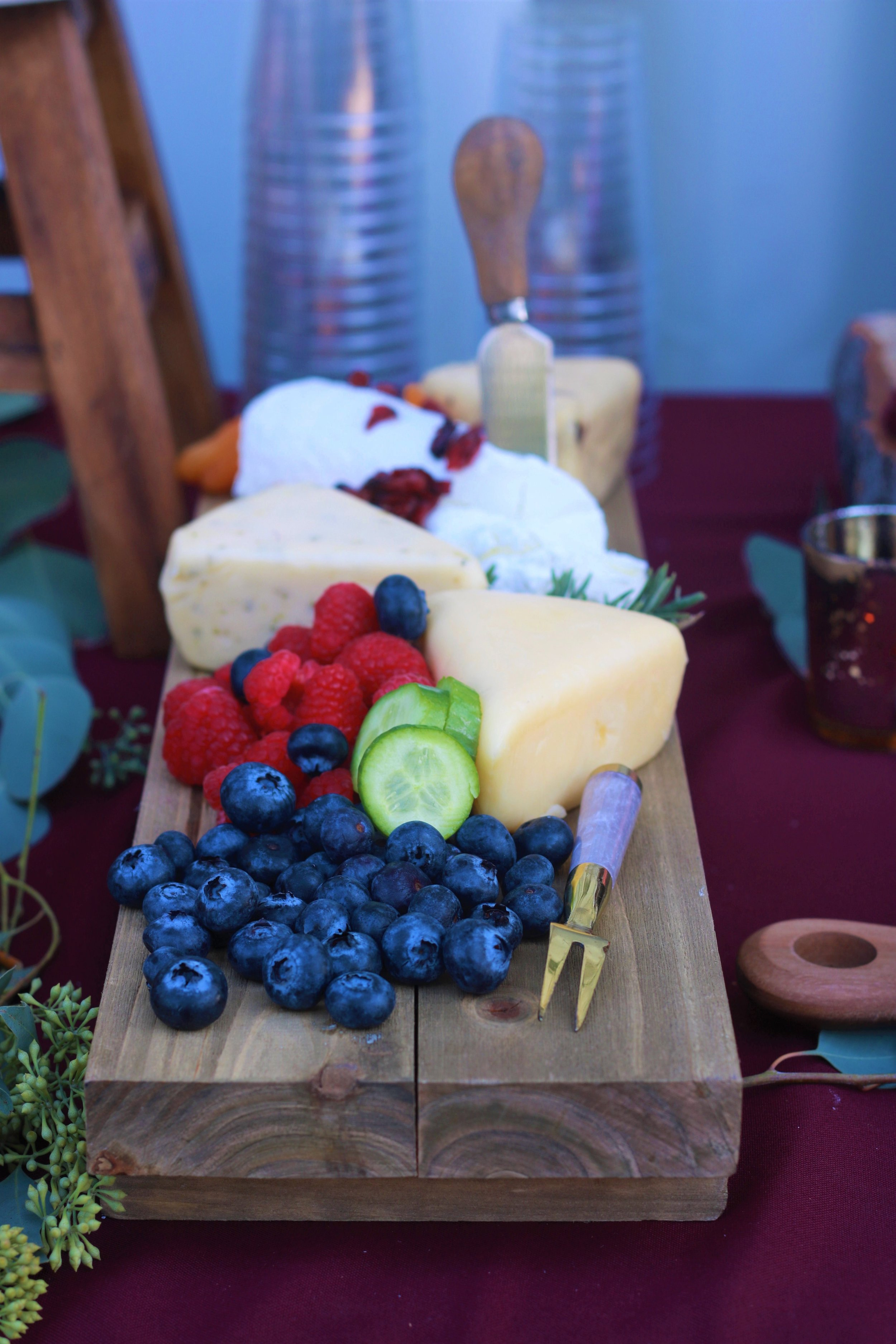 Fall Wedding Food-wedding food-wedding appetizer-cheese and cracker-rustic wedding-appetizers-www.SugarPartiesLA.com