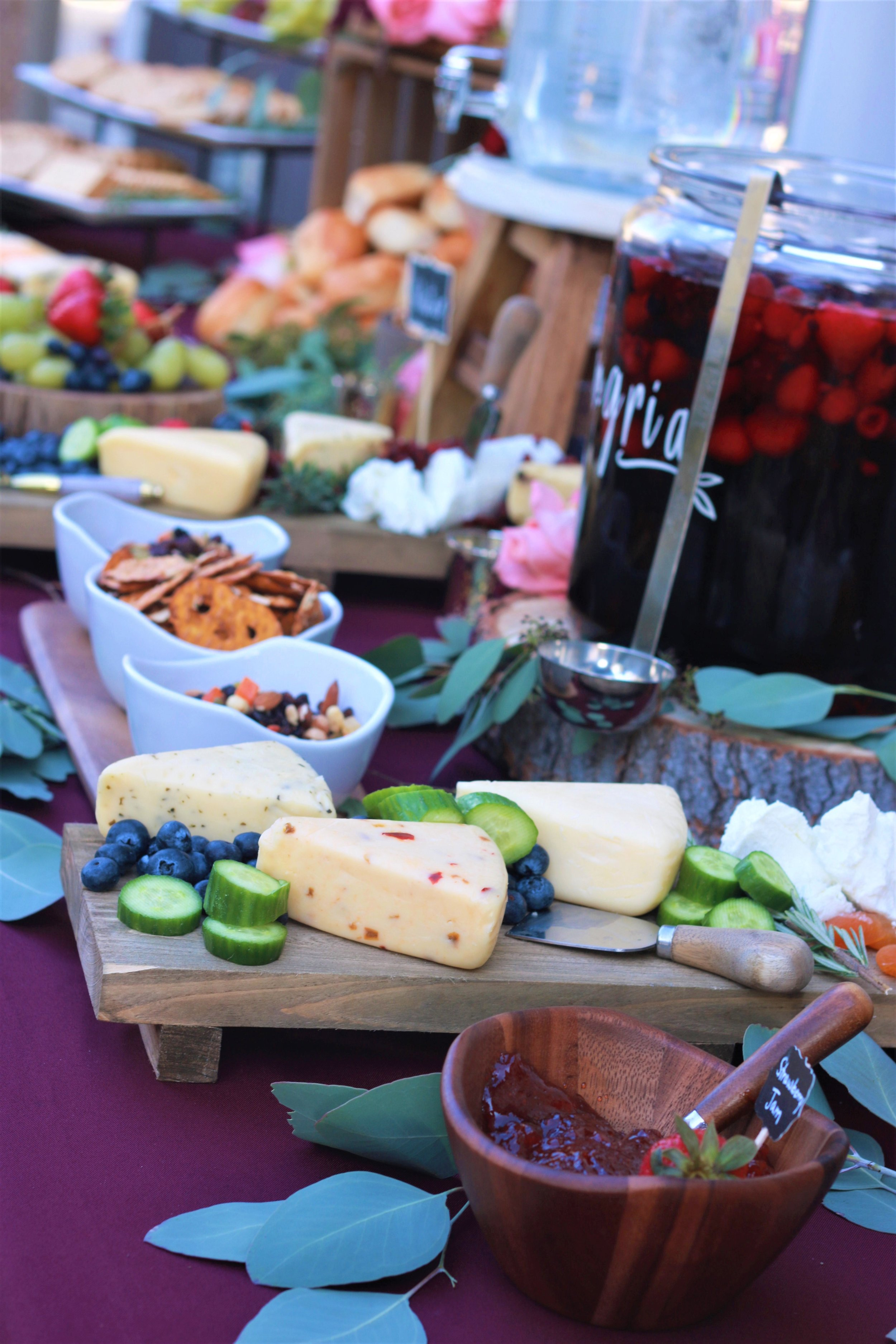 Fall Wedding Food-wedding appetizers-wedding cocktail hour-cheese and crackers-wedding style-wedding drink style-www.SugarPartiesLA.com