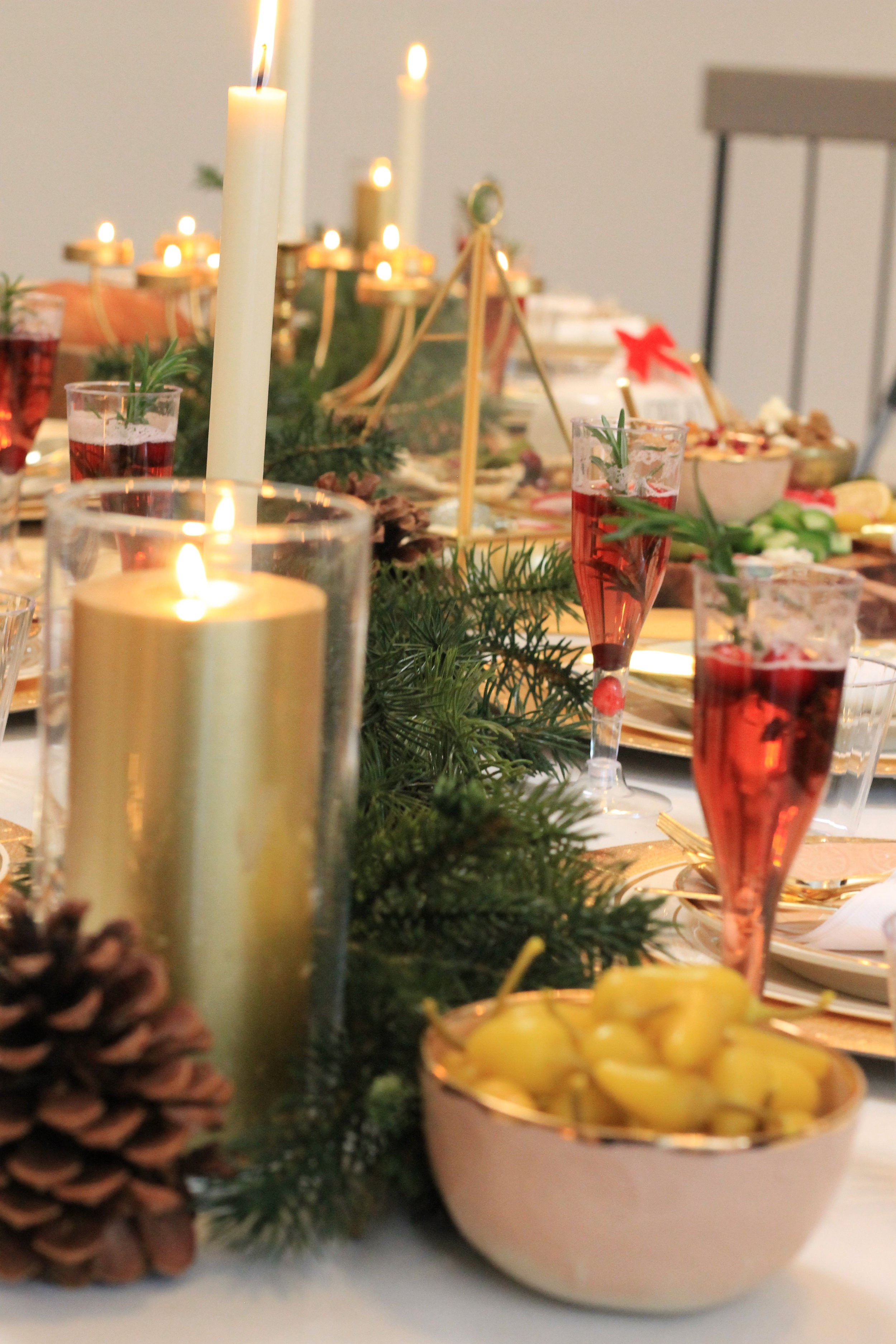 Christmas Tablescape-Christmas party-christmas party ideas-Holiday party-holiday party tablescape-dinner tablescape-www.SugarPartiesLA.com