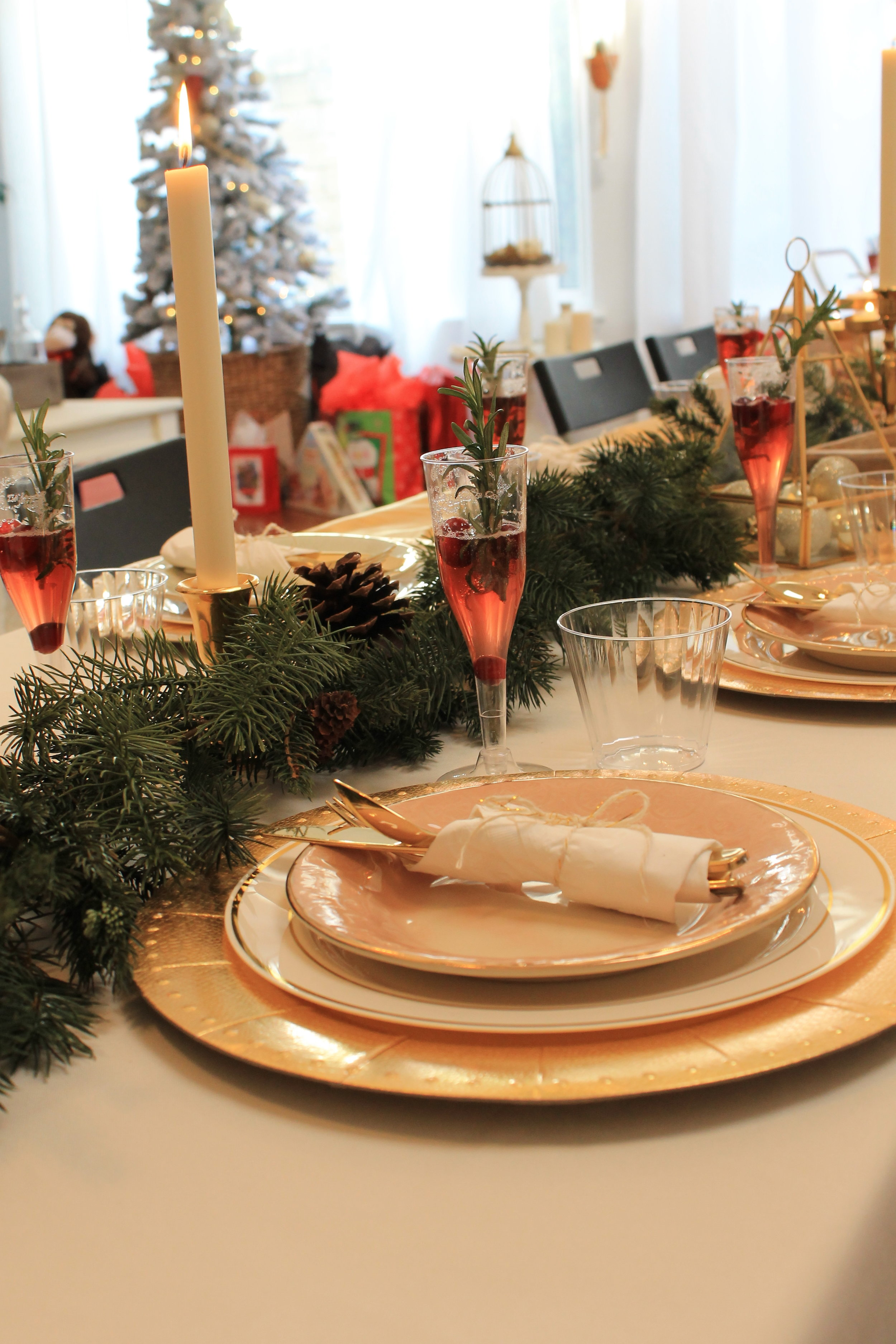Holiday Tablescape-christmas party-christmas party ideas-boho holiday-boho holiday ideas-christmas dinner party-www.SugarPartiesLA.com