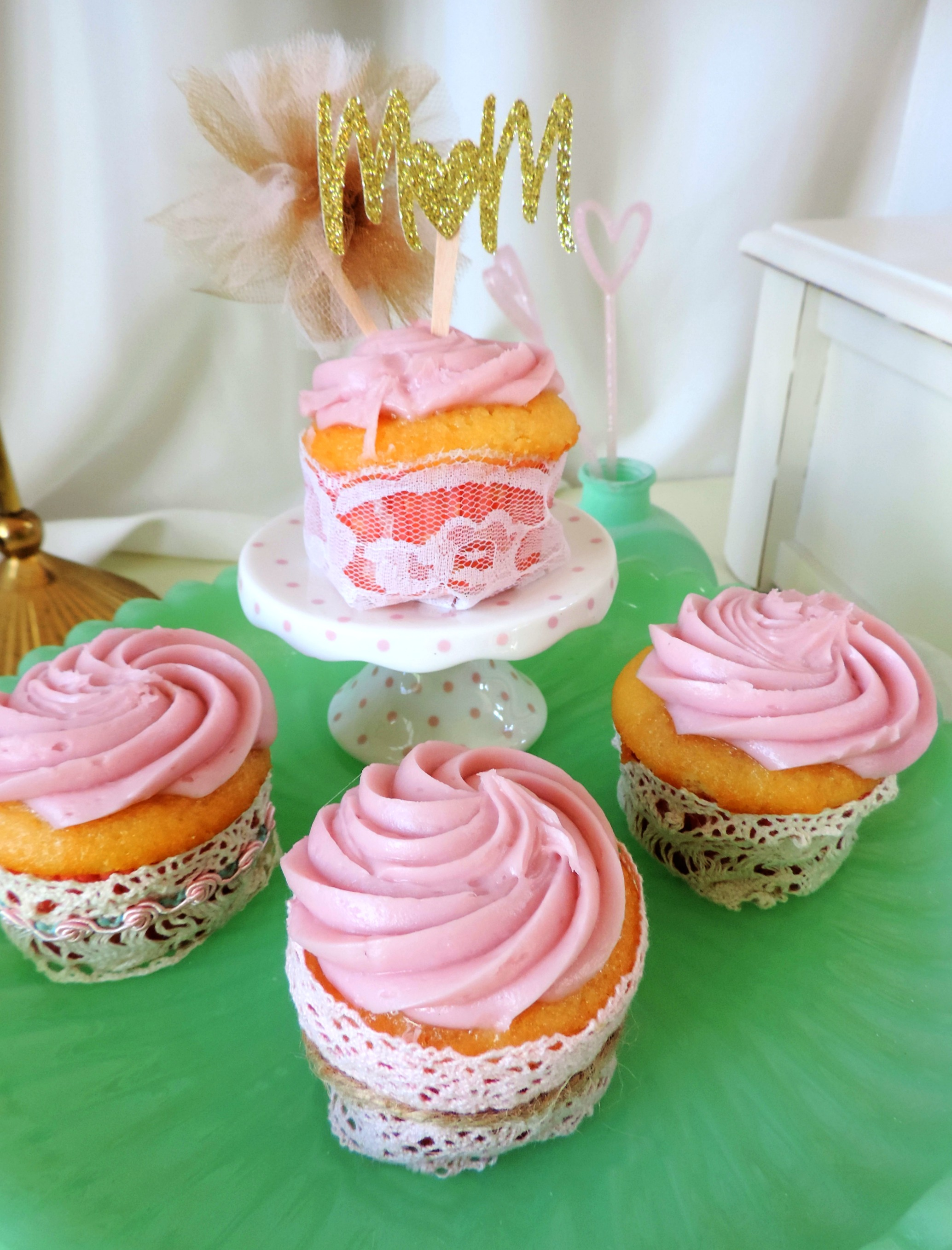 Mother's Day Ideas-MOM cupcake topper-Mother's Day brunch-Mother's Day Cupcakes-www.SugarPartiesLA.com.jpg