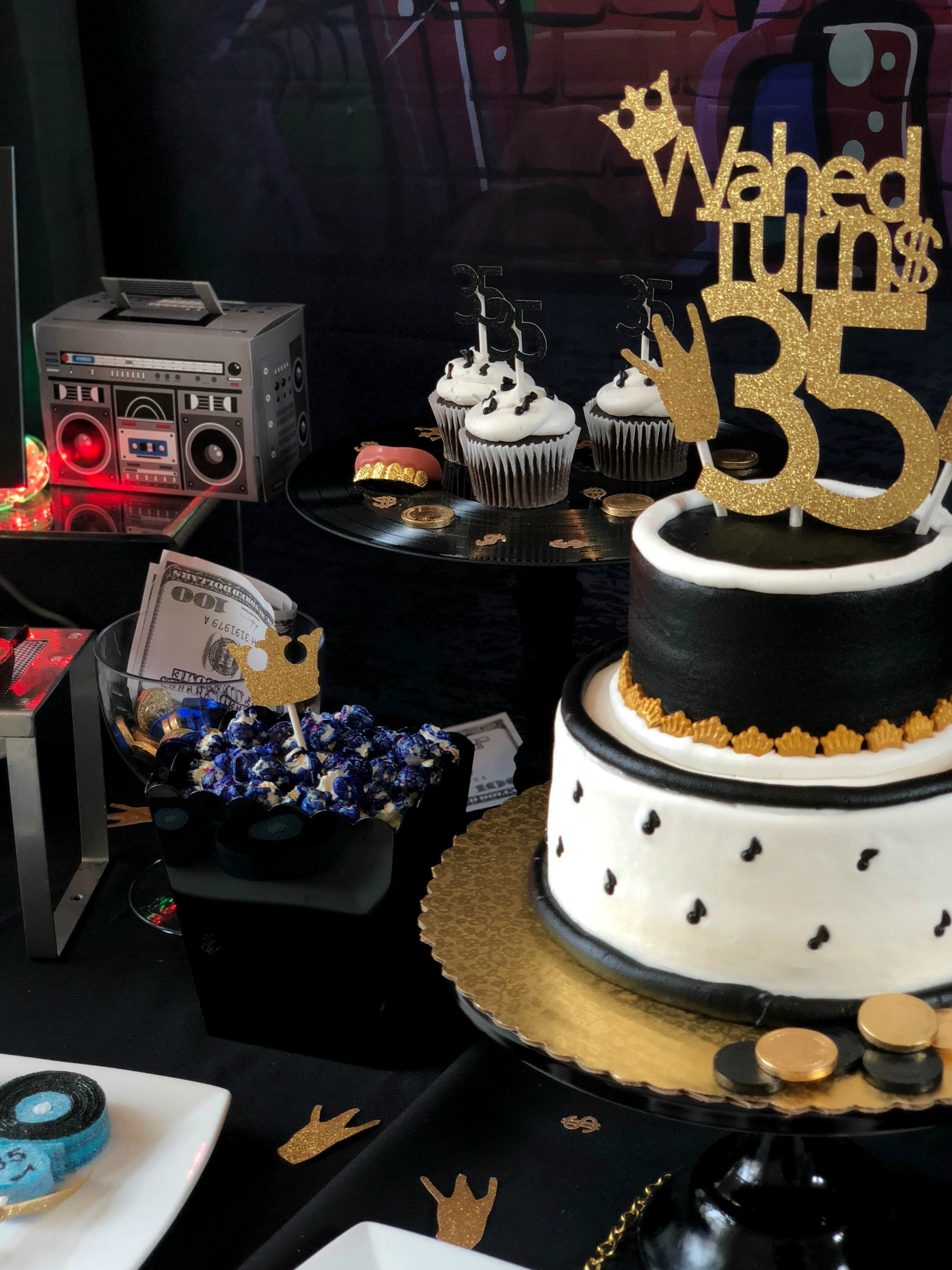 HipHop Cake-90's Rap Party-www.SugarPartiesLA.com.jpg