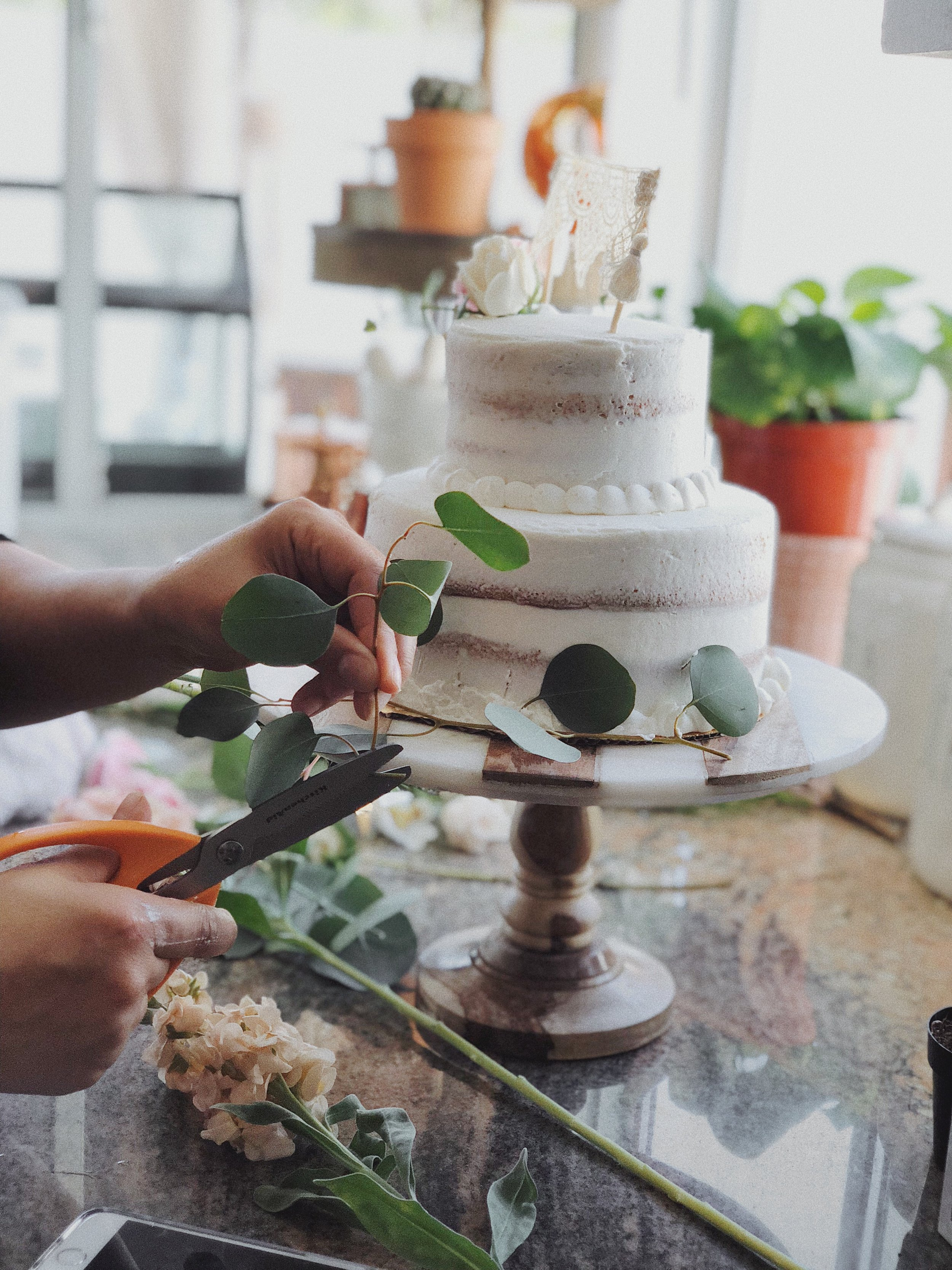 Naked Cake-Cake Decorating-Cake with fresh floral-Eucalyptus.JPG