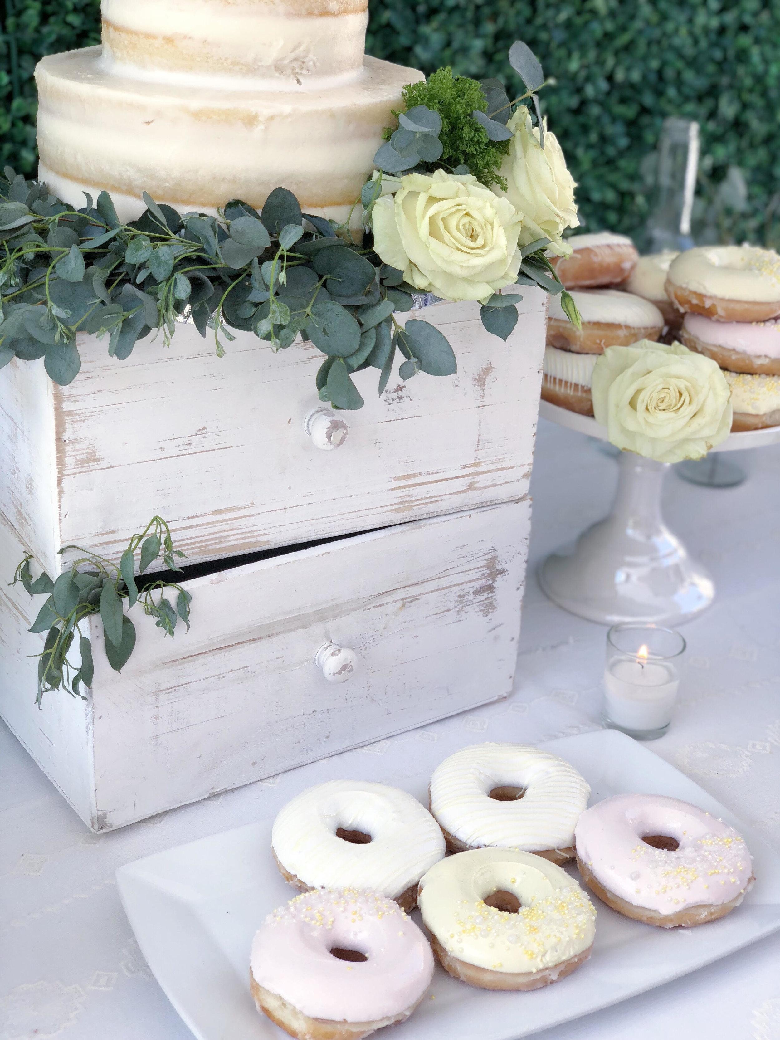Bridal Shower Cake-Garden Shower-www.sugarpartiesla.com.jpg