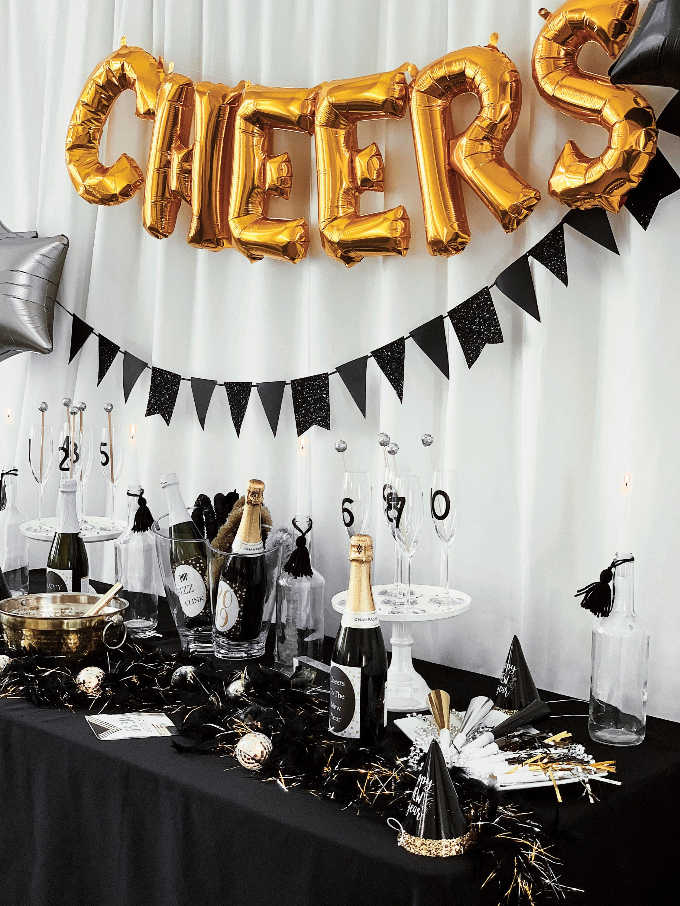 New Years Eve Party and Toast Table-SugarPartiesLA.jpg