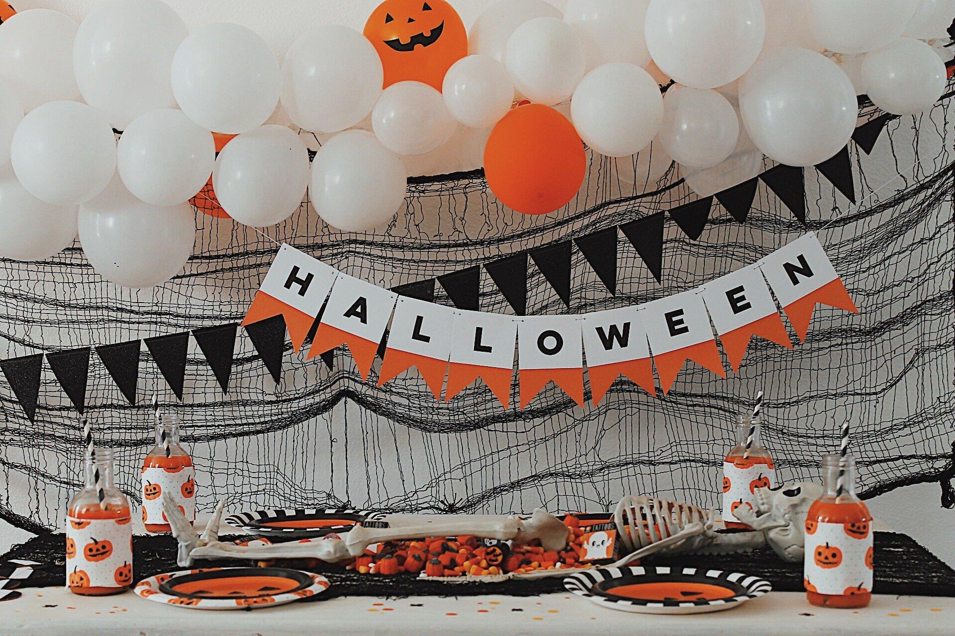 Halloween Candy-Halloween Party Ideas-Halloween Ideas-www.SugarPartiesLA.com.jpeg