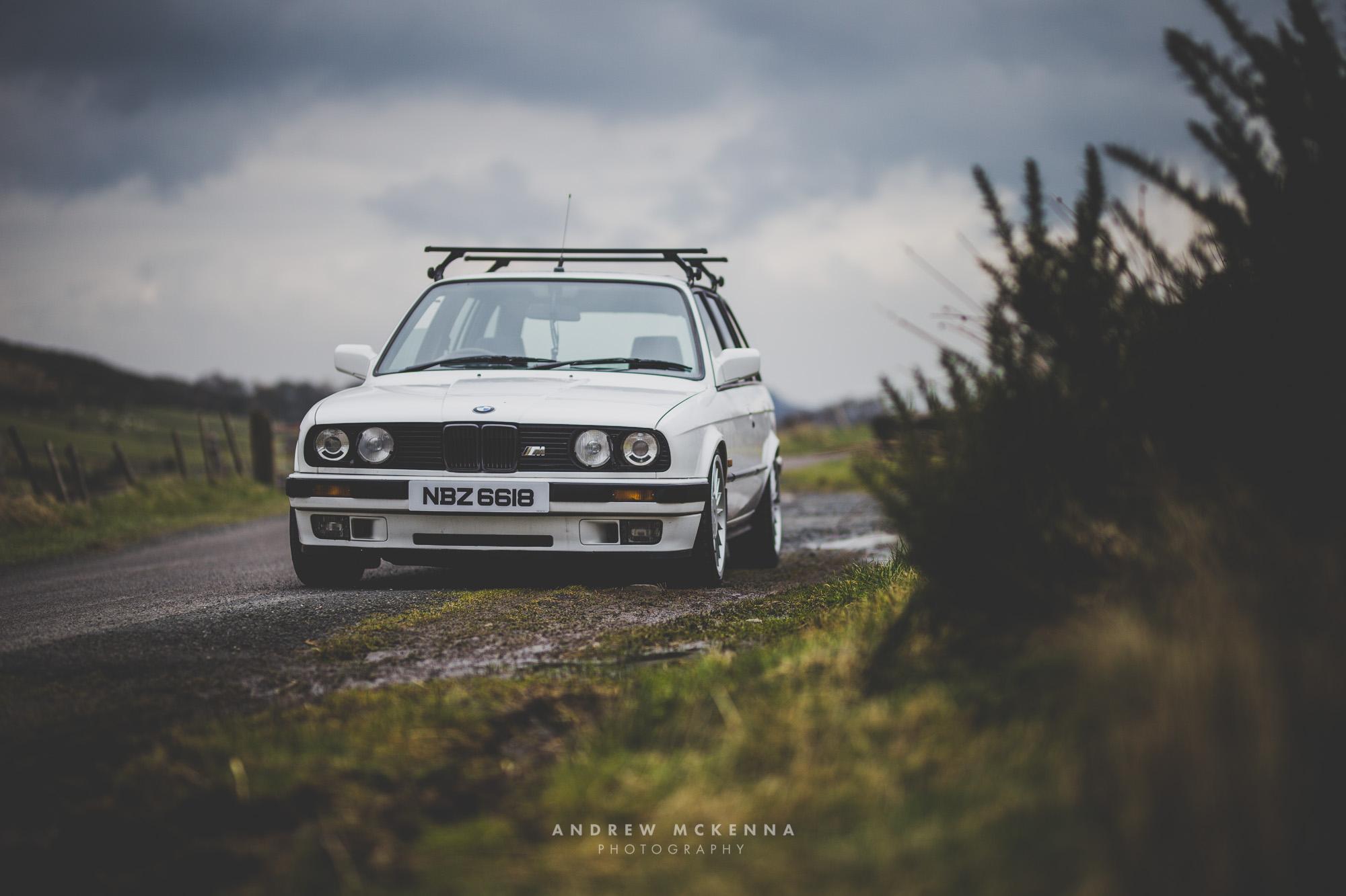 BMW e30 325i Touring Wagon White