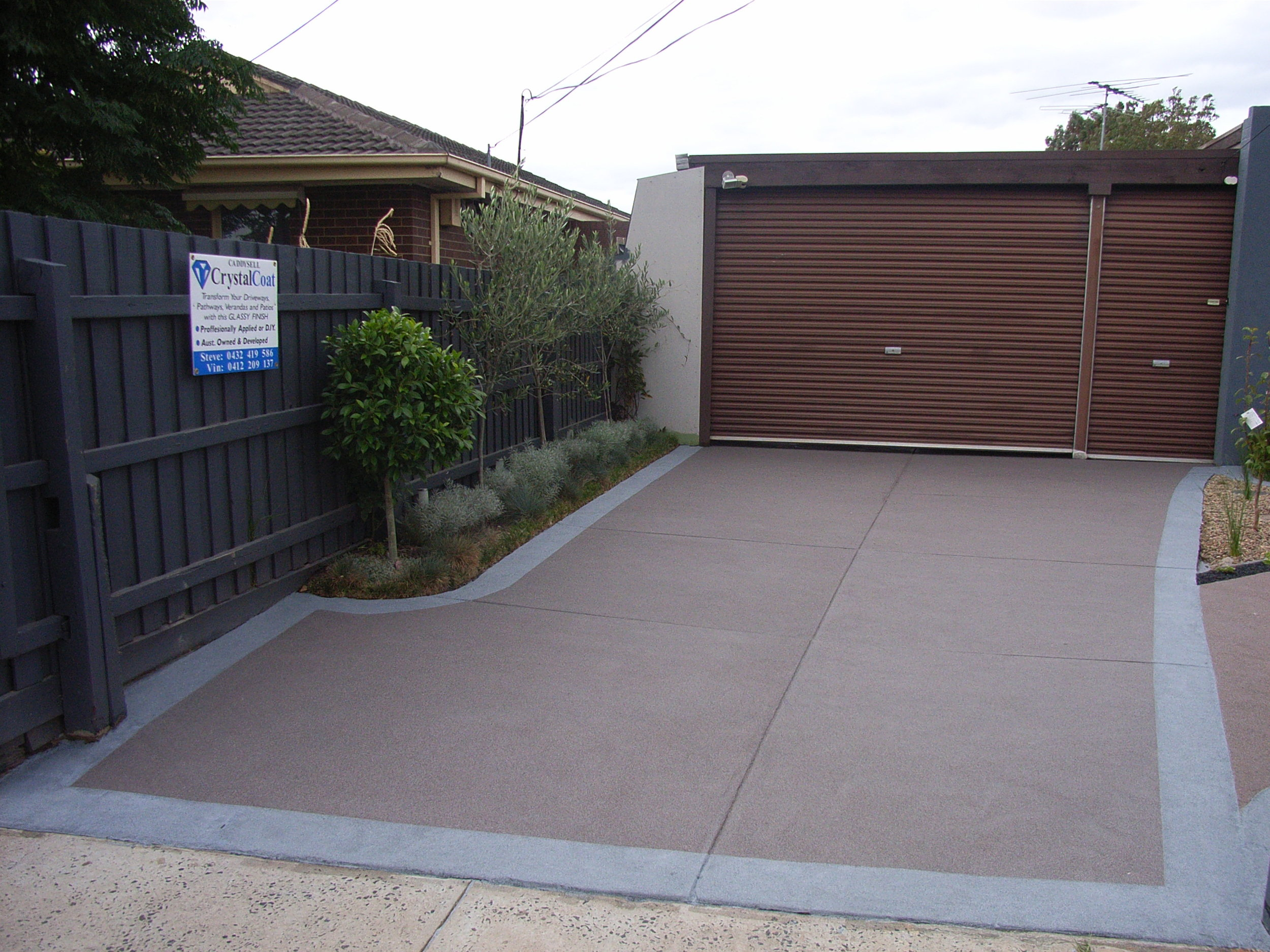 Grey and brown driveway.jpg