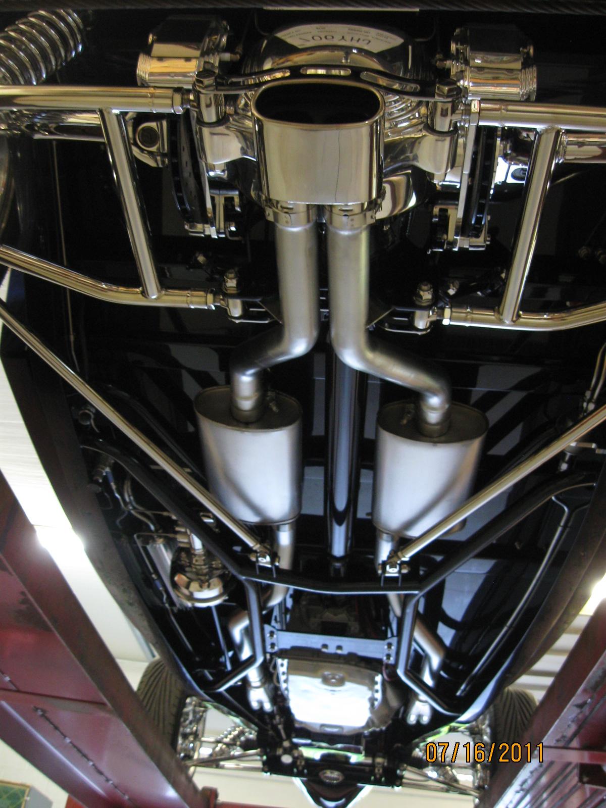 1933 Ford 300.JPG