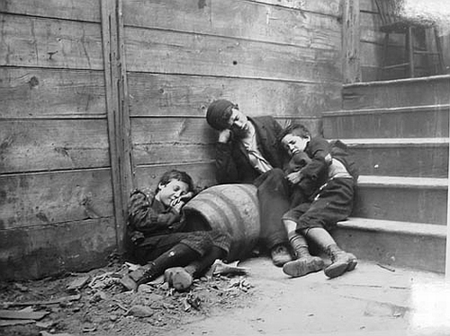 Link to Karina Schroeder's blog post on Jacob Riis's photography