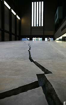 """Doris Salcedo's sculpture """"Shibboleth"""""""