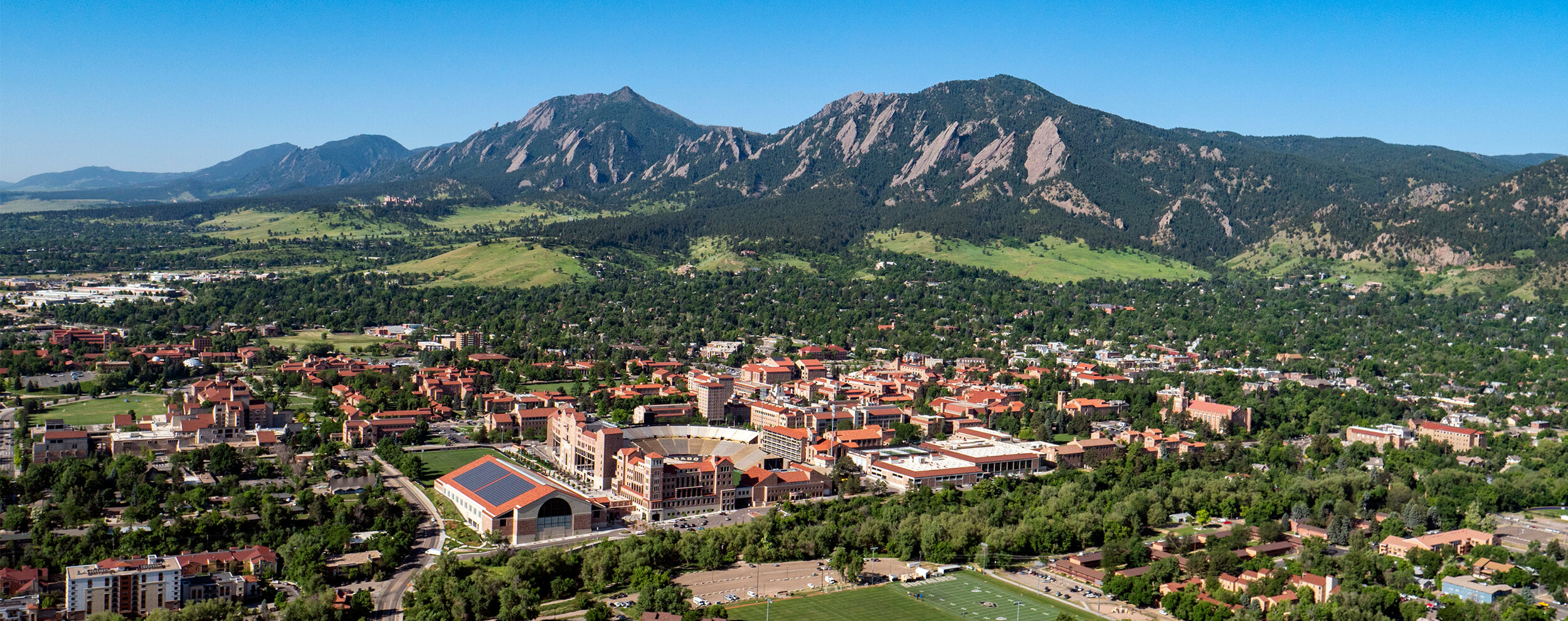 The University of Colorado Boulder (nicknamed CU Boulder)