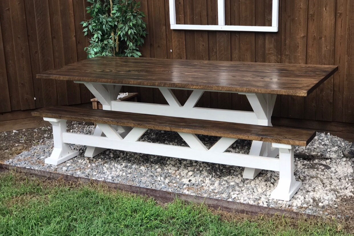 FARMHOUSE STYLE (TRESTLE) -