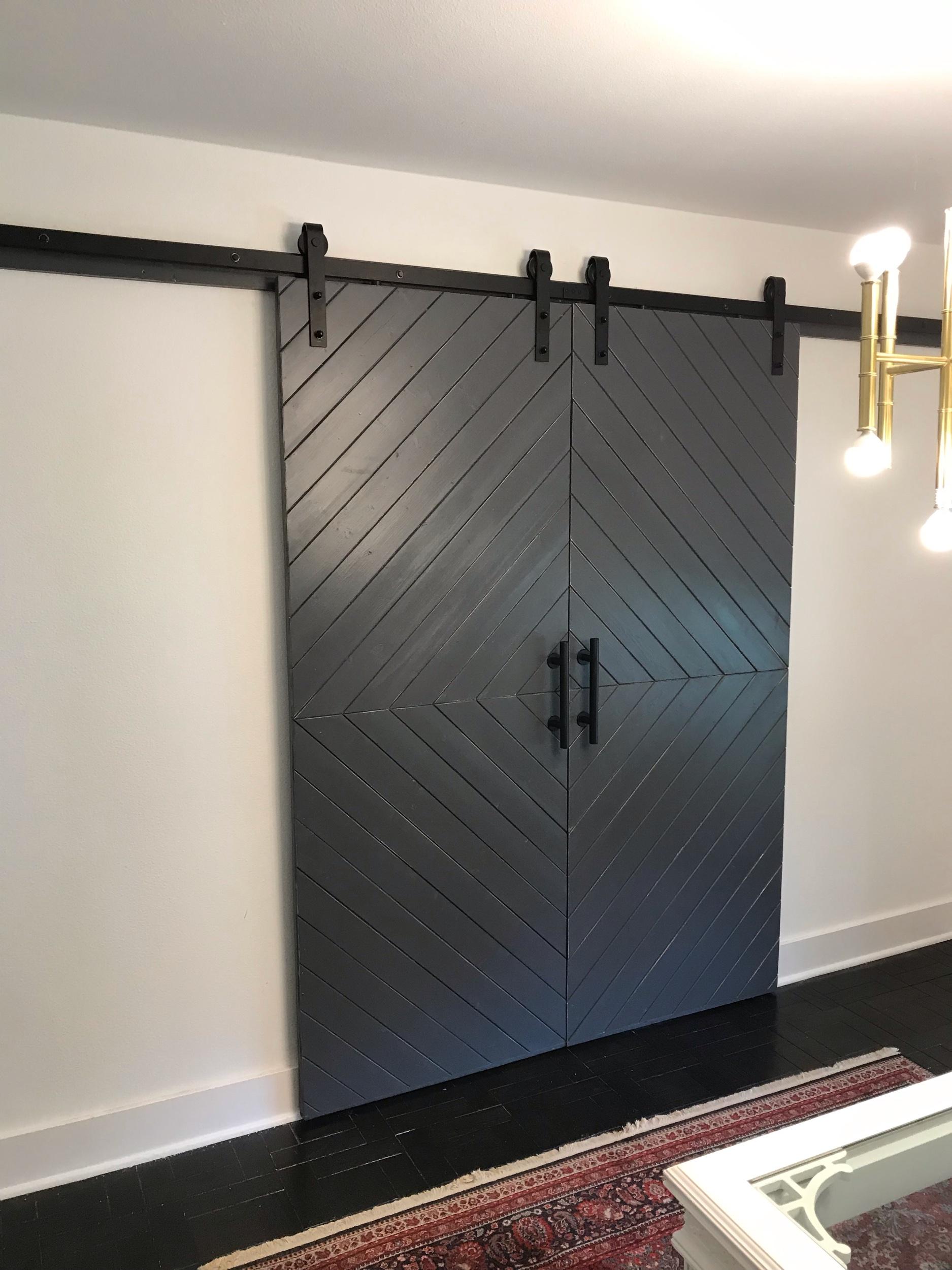 HERRINGBONE - dark gray paint distressed