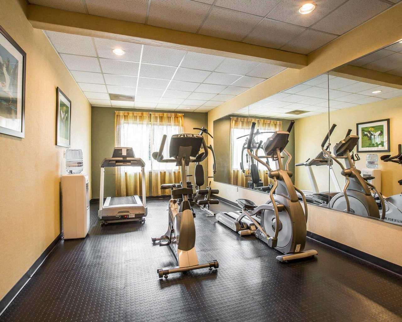 FitnessRoom1.jpg
