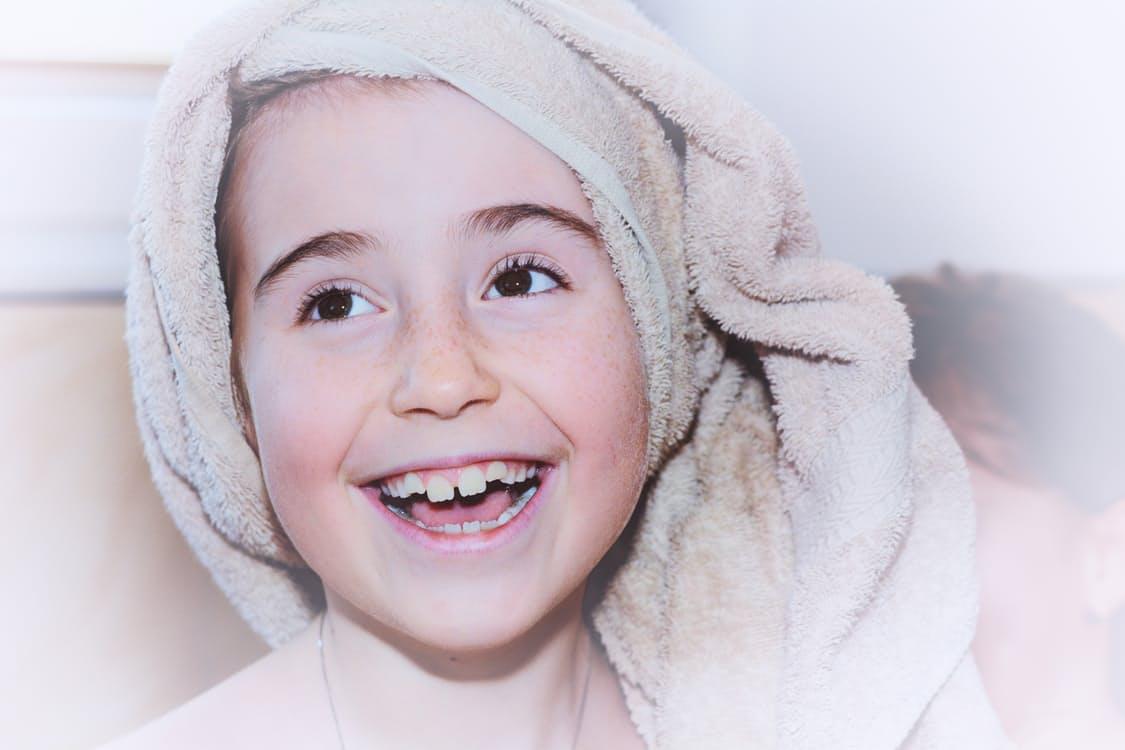 child-girl-face-towel-37924.jpg
