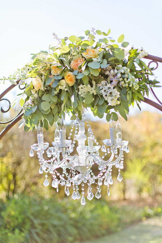 viewpointevents.com | Chandeliers for rent in California | Vintage Chic Rentals for weddings