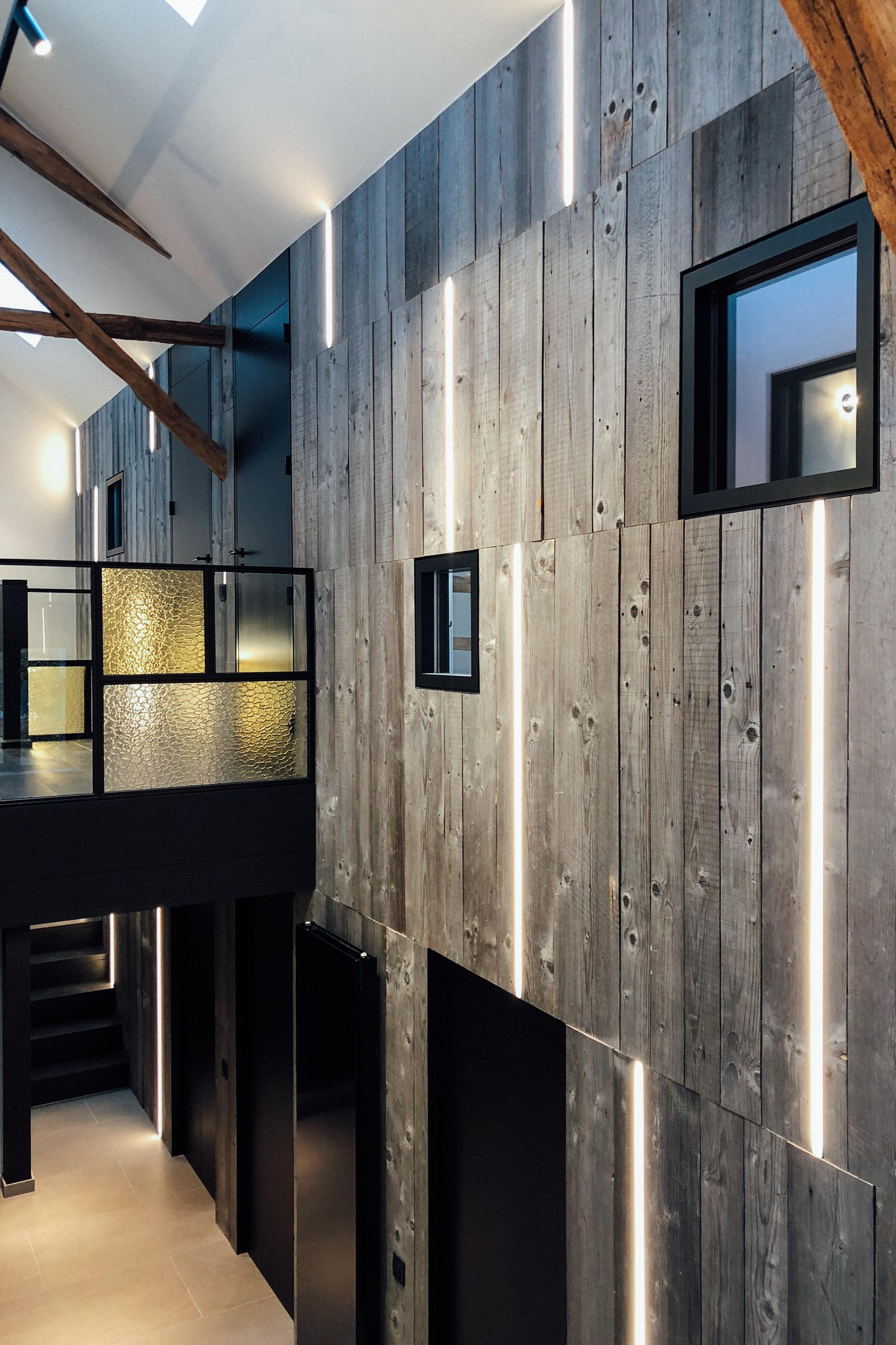 DA01  - Hallway - Renovation of a Lodge for 20 people / Rénovation d'un gîte pour 20 personnes