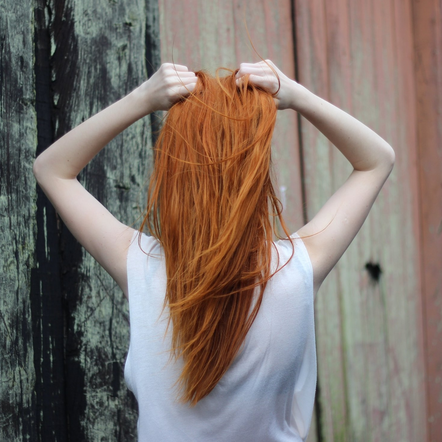 adolescent-back-view-blonde-332984.jpg