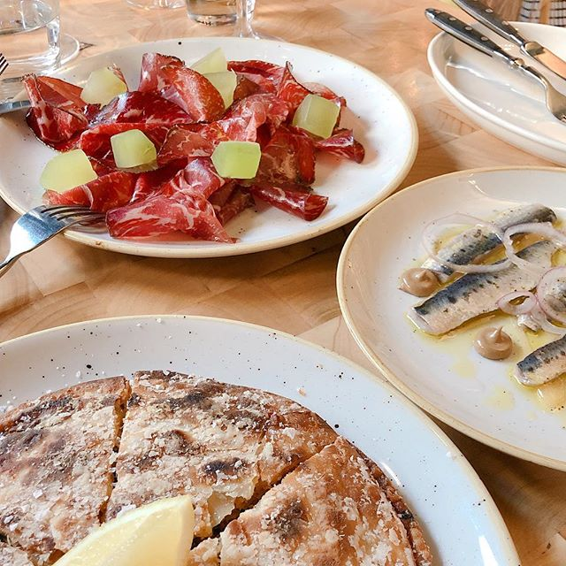 Coca, wagyu & sardines - make life more complete 😋